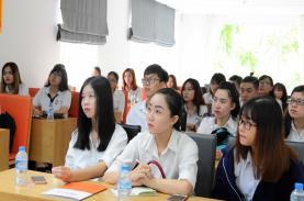 TST tourist góp phần định hướng nghề nghiệp cho sinh viên