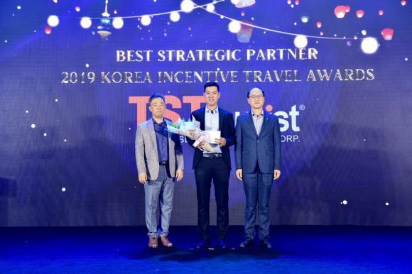 """TST tourist vinh dự đạt giải """"Đối tác Chiến lược"""" của TCDL Hàn Quốc năm 2019"""