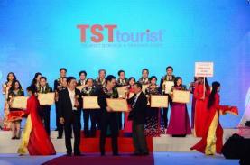 TST tourist nhận giải Top 10 Doanh nghiệp lữ hành Outbound hàng đầu Tp.HCM 2017