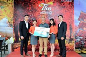 TST tourist trao giải thưởng Samsung Galaxy Note8 cho khách hàng
